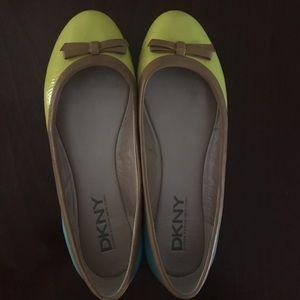 DKNY Two-Tone Flats Size 7.5